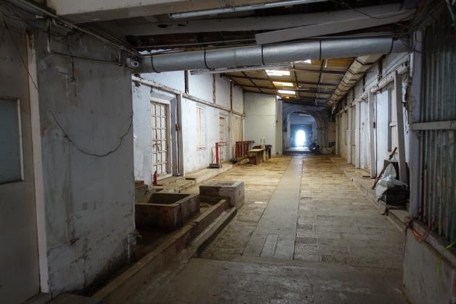 Anand Warehouse 1 gesamt innen
